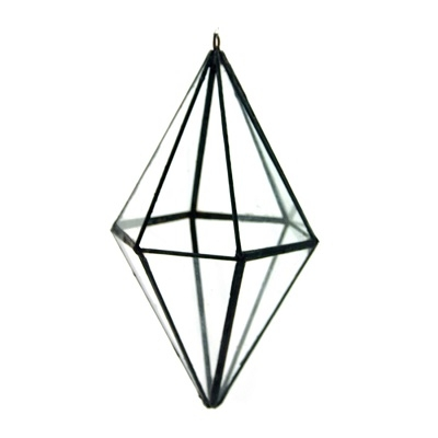 12.HANGING TERRARIUM DIAMOND