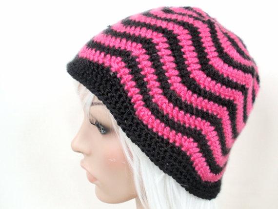 Knit Zig Zag Hat Pattern : Wavy zig zag striped crochet beanie pattern jenn likes yarn