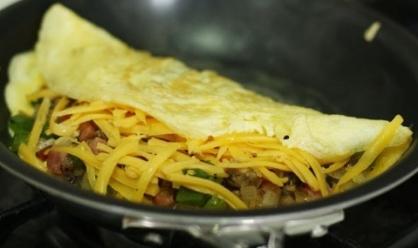 omeletmaking3_550.jpg