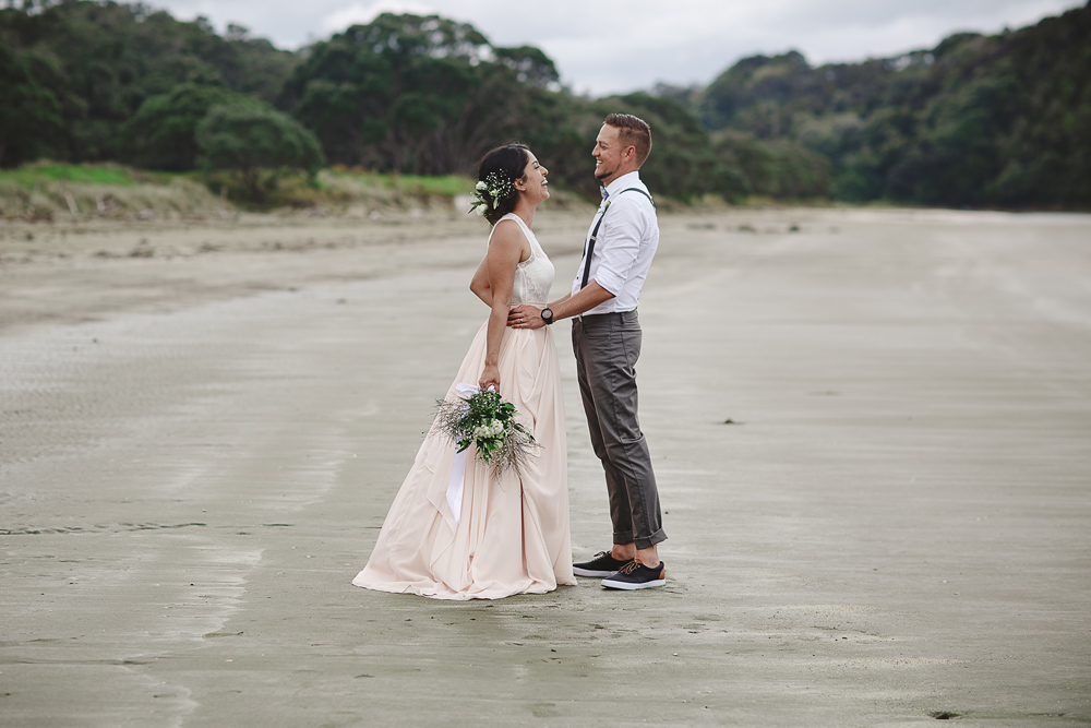 217-auckland-wedding-photographer--beach-wedding-photographer--new-zealand-beach-wedding-photographer.jpg