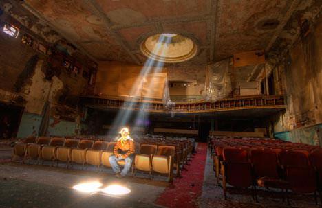 sattler-theater.jpg
