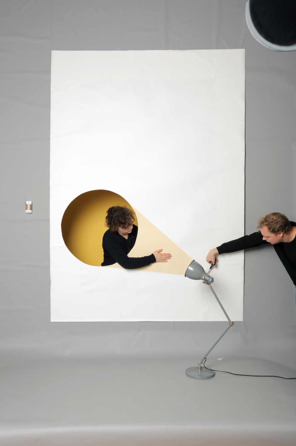 Studiospass_From_form_makingof_WDKA_Campagne_lamp4.jpg