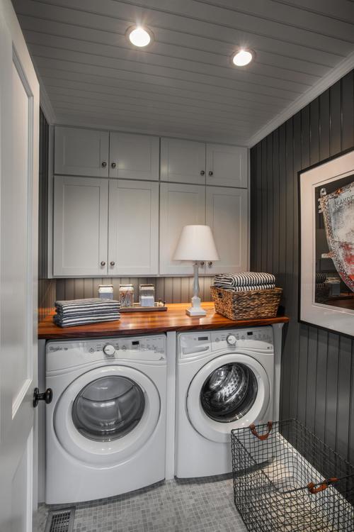 dh2015_laundry-room_whirlpool-duet-washer-dryer_v.jpg