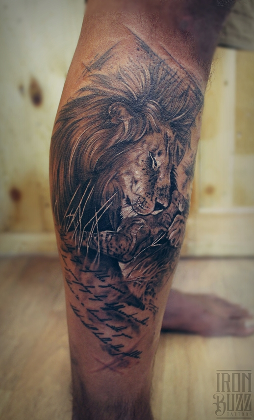 Lion hugging cub: Tribute to dad Tattoo