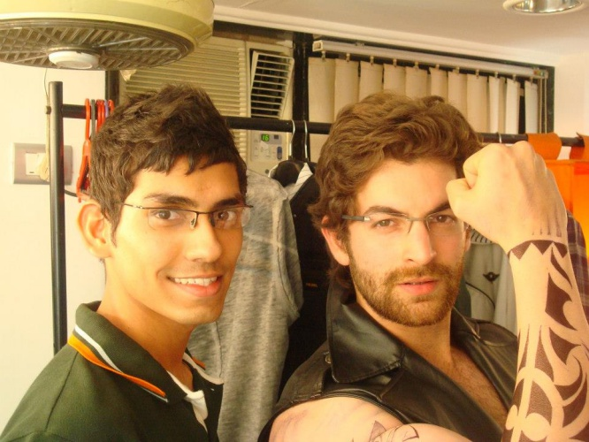 best-tattoo-artist-in-mumbai-india-eric-jason-dsouza-iron-buzz-tattoos-meeting-best-bollywood-actor-neil-nitin-mukesh-dabboo-ratnani-calender-photoshoot-one.jpg
