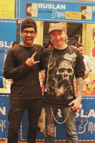 best-tattoo-artist-in-mumbai-india-eric-jason-dsouza-iron-buzz-tattoos-meeting-best-tattoo-artist-pavel-angel-russia.jpg