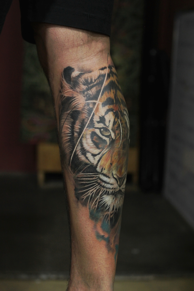 bollywood-actor-kunal-khemu-gets-lord-shiva-tattoo-covered-with-tiger-tattoo-from-best-tattoo-artist-eric-jason-dsouza-from-best-tattoo-studio-iron-buzz-tattoos-in-mumbai-4