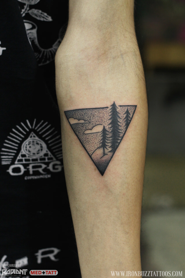 traveler-wanderlust-forest-pine-tress-tattoo-by-best-tattoo-artist-jayesh-eric-jason-dsouza-iron-buzz-tattoos-in-mumbai.jpg