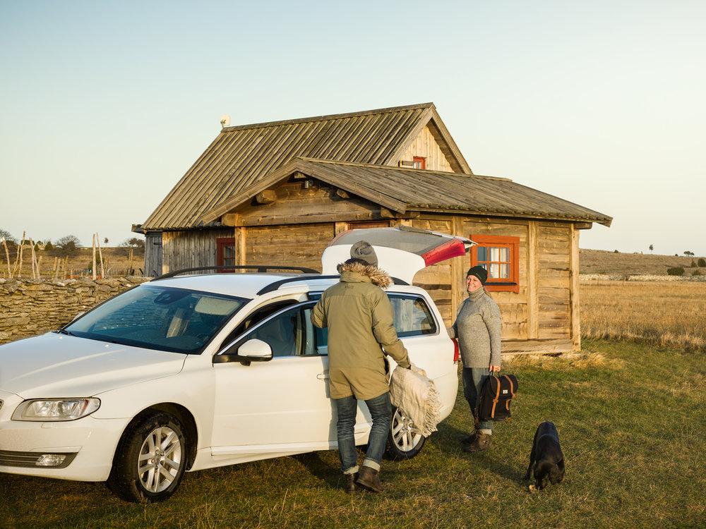 2016.12---18.-helena-kayla-jag-stugan-bil-gåsemora-fårö.jpg
