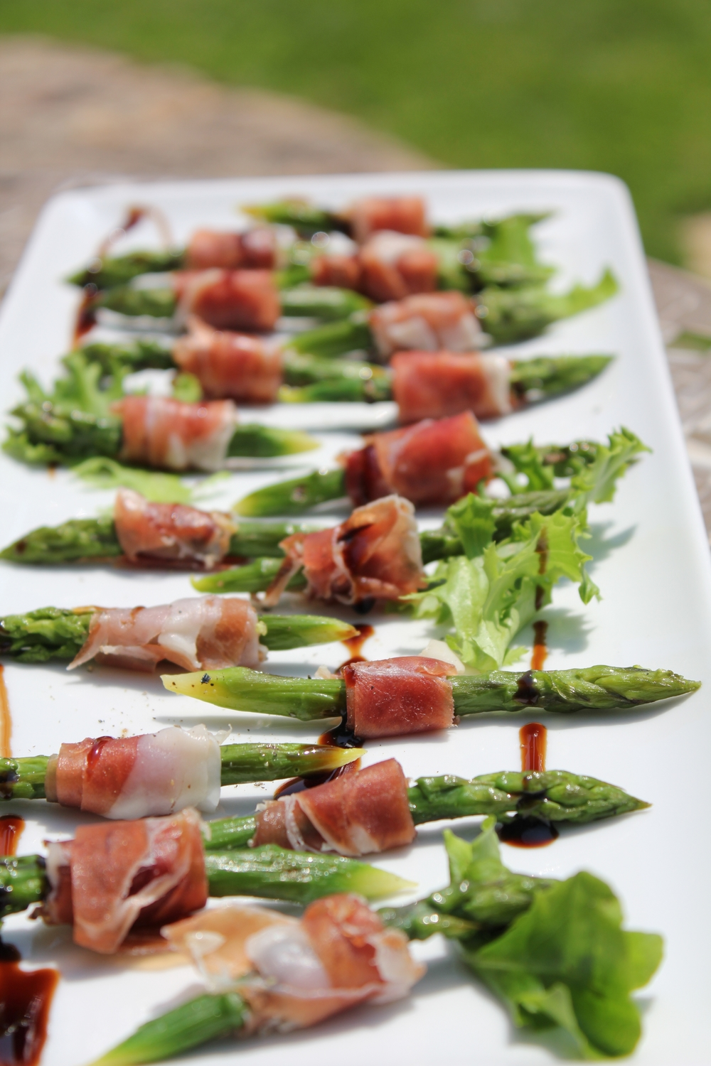 Parma ham, asparagus and balsamic reduction