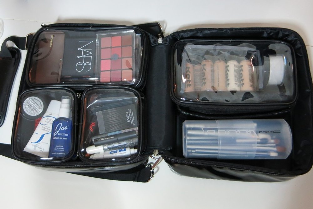 esum Pro Makeup Kit Bag