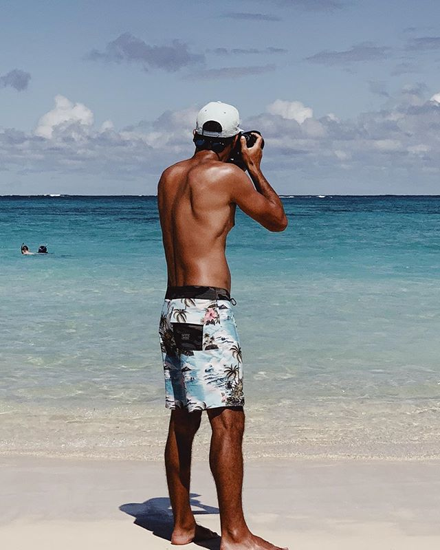 I'm hanging on to this tan with a death grip. Can't wait to head back to #hawaii . . 📸: @jasonyokoboskysurf . #lanikai #northshore #nikon #beach #tan #ocean #vacation