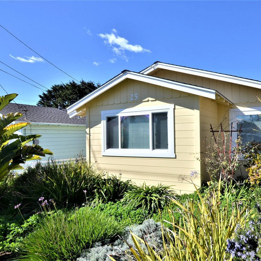 Adorable coastal cottage in the numbered streets of Cayucos -