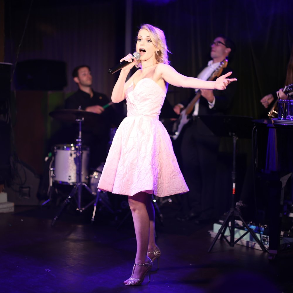 Carlie performs at Rockwell Table & Stage!