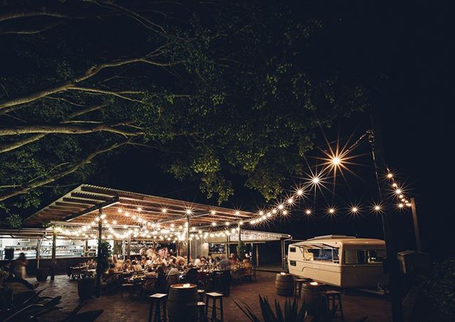 🌟 Twinkle Twinkle 🌟Starry nights under the fig tree @thefarmbyronbay for @threeblueducks - We never get tired of this scene. Looking forward to popping the hatch with this crew again next weekend! #thefarmbyronbay #byronbaywedding #mobilebar⠀ - ⠀ 📷 @kateholmesphotographer