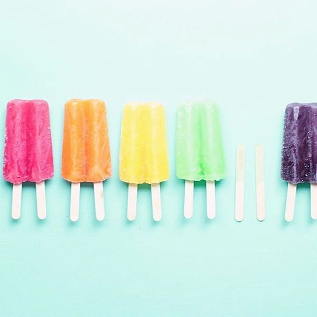 It's H-O-T outside, babes! Luckily, @runnerkimhall is giving us all the feels with these drool-worthy popsicles to help beat the heat. 🤤☀️ #weekend #getoutside #moveinspired