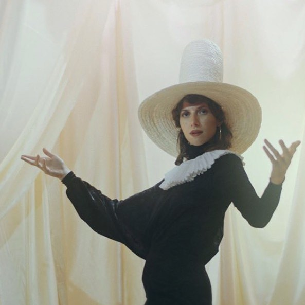 @aldousharding announces her new album 'Designer', out April 26 via @4ad and @flyingnun  First single 'The Barrel' has been launched today, with a delightfully off-kilter accompanying video. Watch it via the link in bio