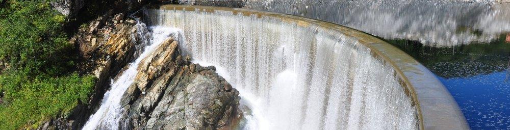 Holmen kraftverk   Bystøl utførde bygg- og anleggsteknisk prosjektering og utarbeiding av planar for miljø og landskap og tekniske planar til NVE, samt prosjekteringskoordinering av brann- og ventilasjonsprosjektering.   Les meir