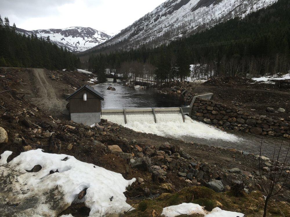 Myklebost Kraftverk, dam og inntak