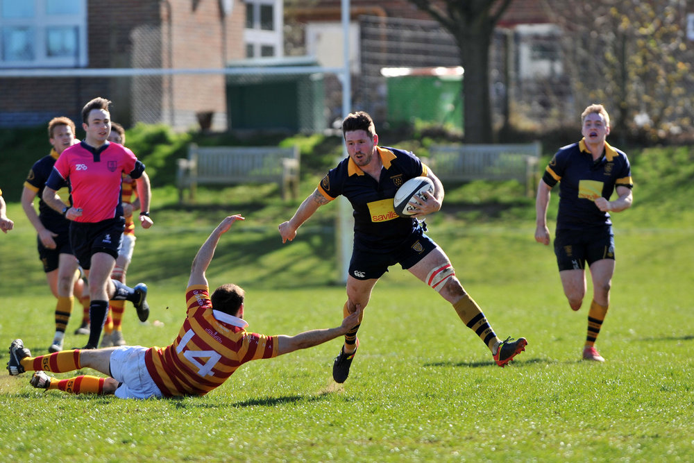 On the charge.  No.8 Sean Derrick had an outstanding game for Oaks in both attack and defence.  Photo Credit, David Purday
