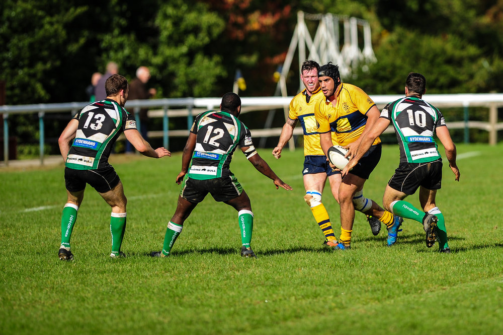 Carrying hard!  Oaks back rower Alex Suttie, pictured here against Tottonians earlier in the season, was outstanding for Oaks on Saturday in victory over Cobham.  Photo credit: David Purday