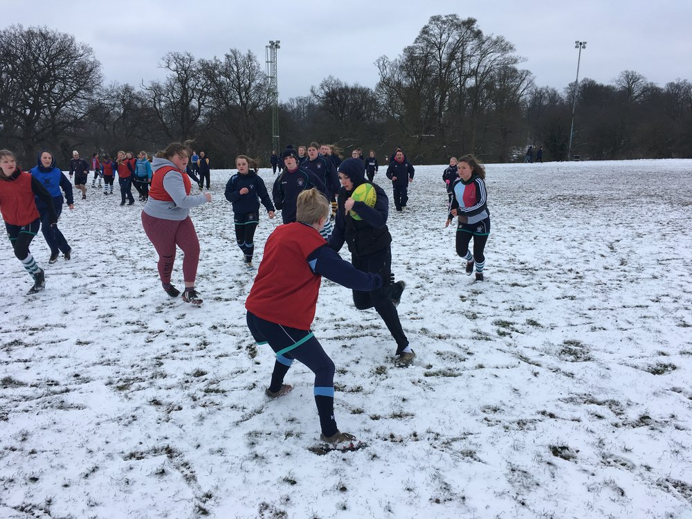 Sevenoaks and TW Girls sections have fun in the snow
