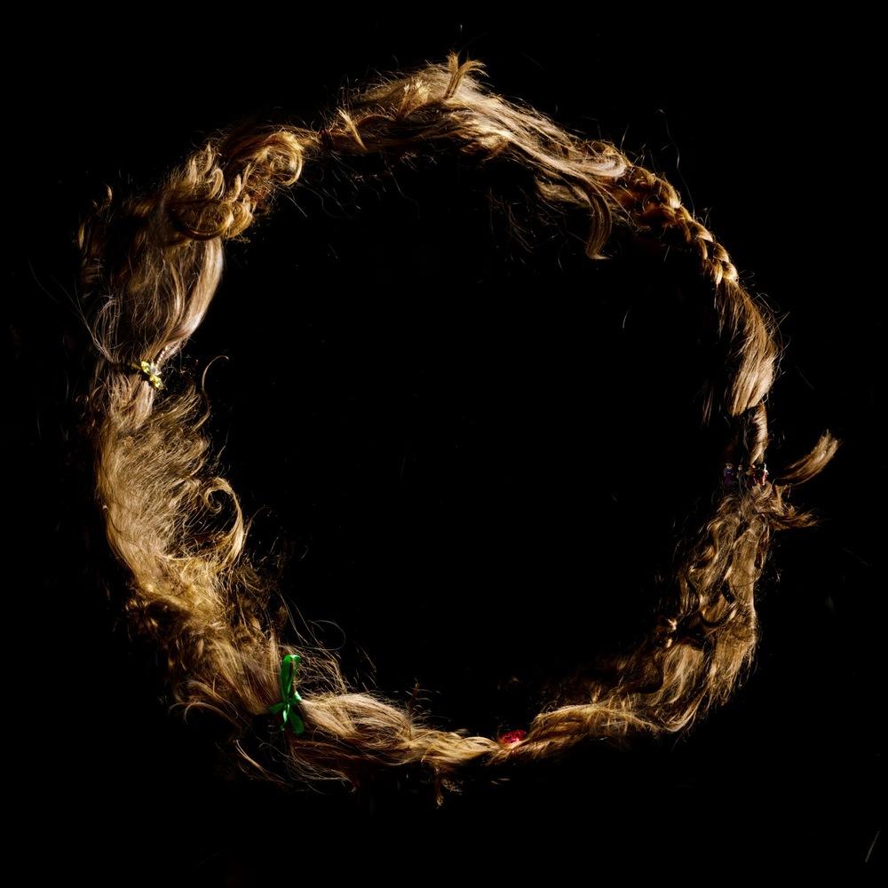 Hair Circle 25x25cm.jpg