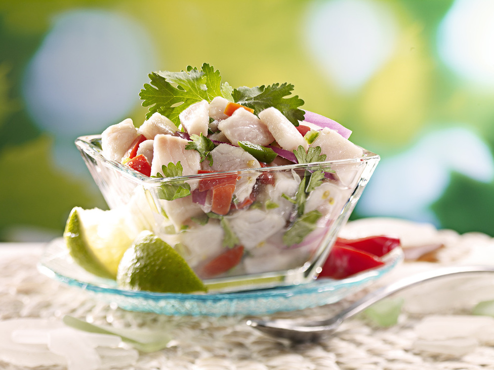 Red snapper fish marinated with lemon and lime juice, onion, jalapenos, coriander and tomatoes. No spice.