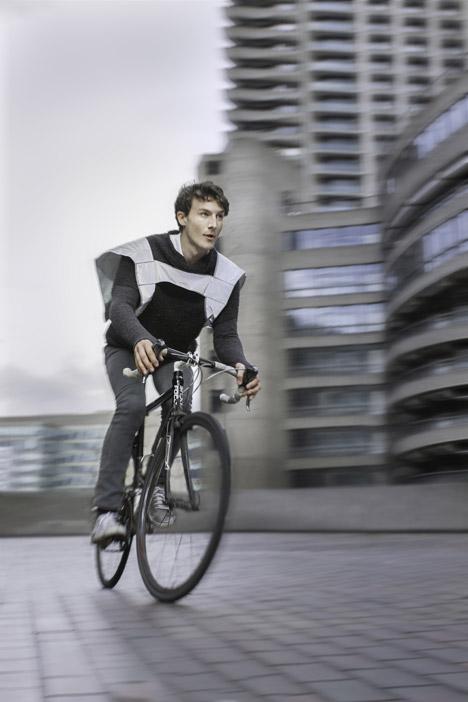 Hi-vis_cyclewear_by_Henrichs_dezeen_468_14.jpg