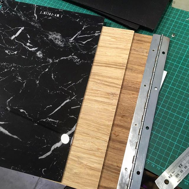 Currently averaging 4 working days on folio creations 💡as student season is upon us, do remember we offer 10% student discount on your bespoke made folio, simply place your order then send through proof of student ID - for more info see our website 👍 // #MYFOLIO - - - - #leather #tuesday #workshop #london #londonfashion #marble #bamboo #wood #graphics #handmade #bespoke #personalisedportfolio #book #craft #engraving #laser #lasercutting #presentation #folder #beautiful #madeinengland #madeinuk #madeinlondon #shopsmall