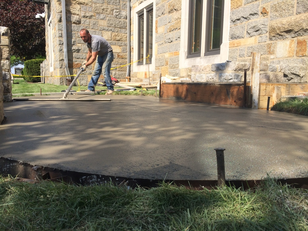 PROCESS: Pouring of the concrete