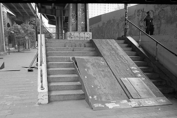 Brooklyn Banks, Stairs and Cop