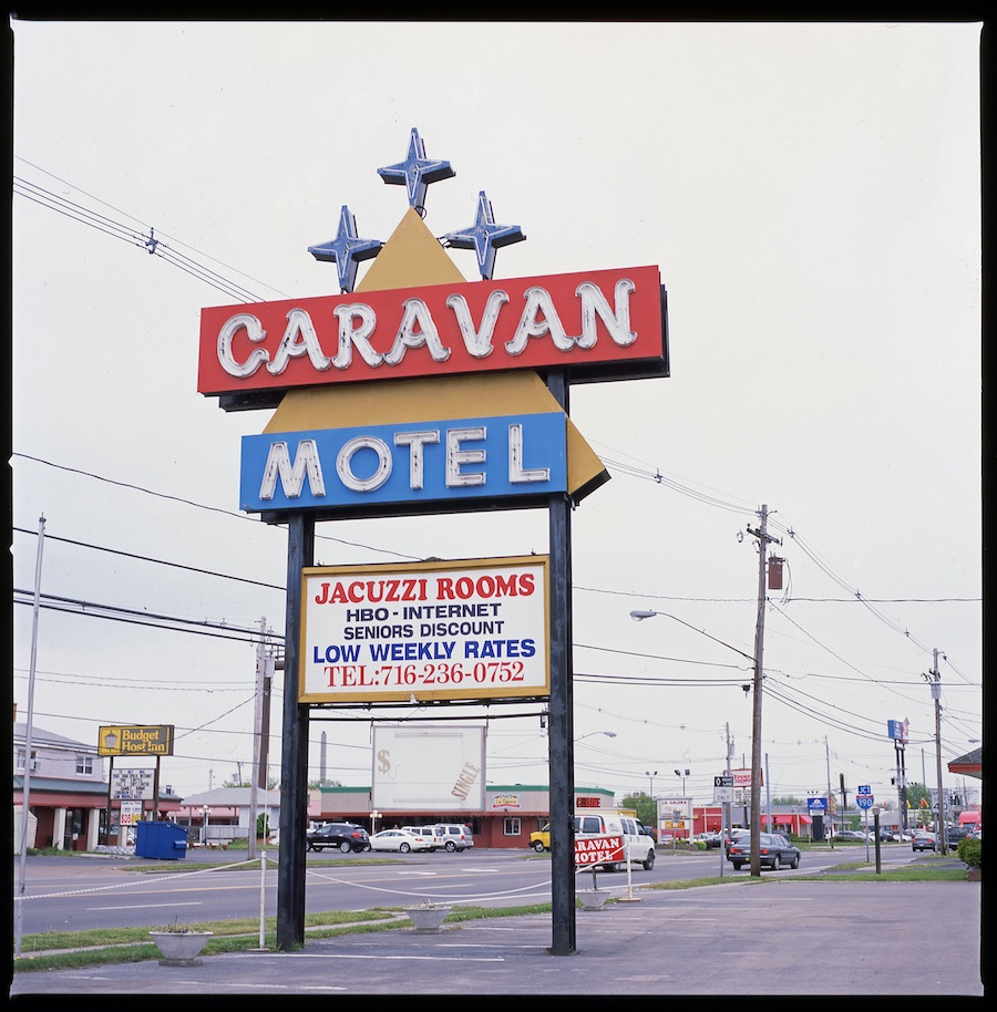 Caravan Motel Sign, Niagara Falls, Fuji Provia 100