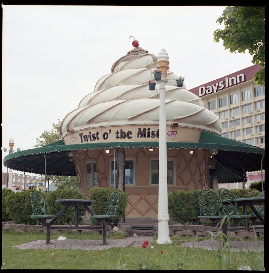 Twist O the Mist, Niagara Falls, Kodak Portra 400