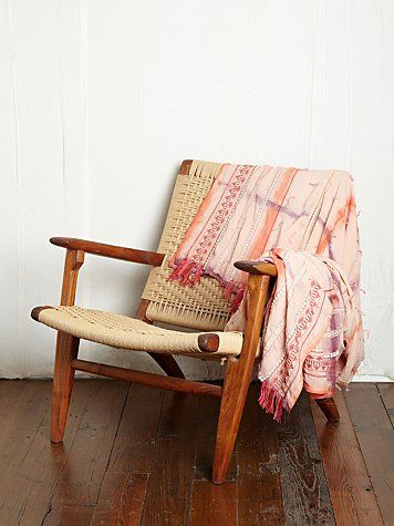 A perfect chair, hopefully found at a junk shop or garage sale to sit in my new room and read a book. This one here is from the freepeople site and you can click on the image if you want to know more about that blanket.