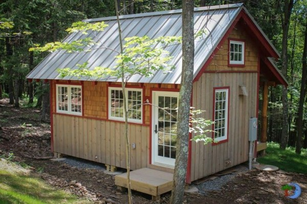 tin-roof-cabin-600x399.jpg