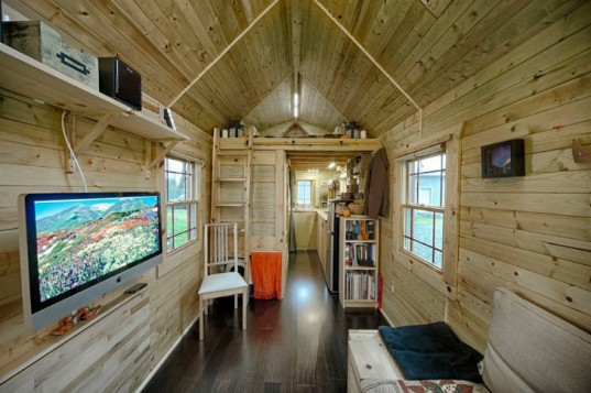 Tiny-Tack-House-Chris-and-Malissa-Tack-7-537x357.jpg