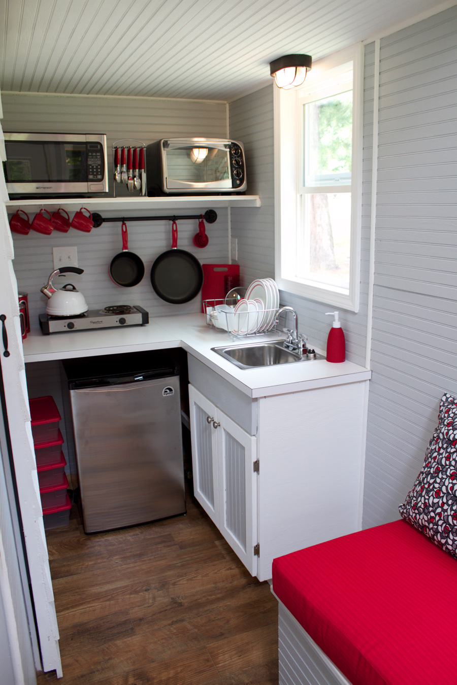 Kitchens full moon tiny shelters for Pictures of tiny kitchens