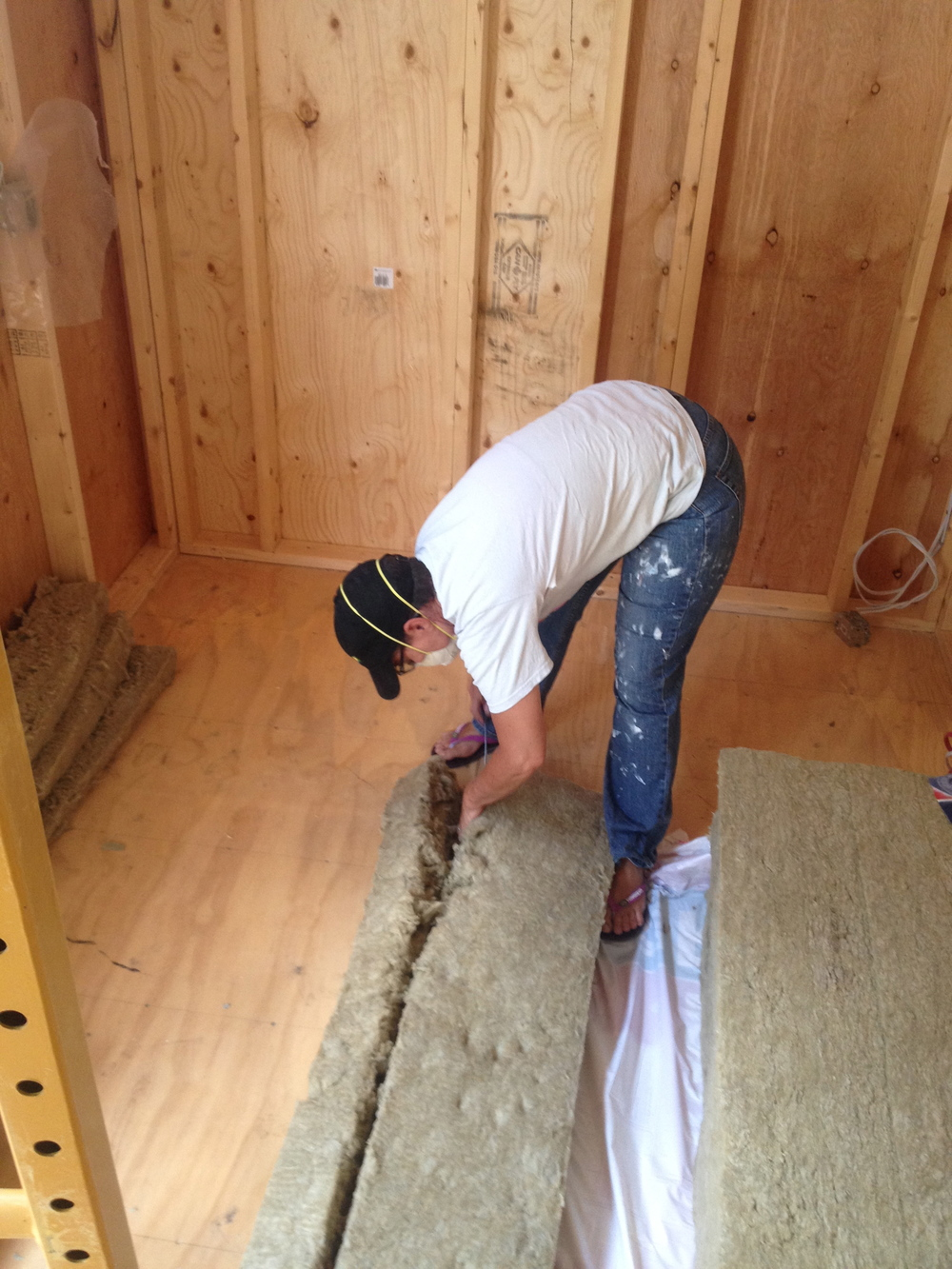 cutting insulation