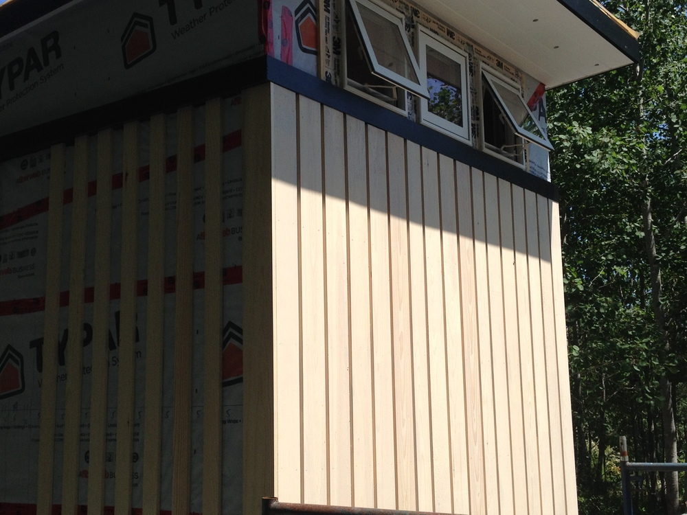 Board and batten Exterior board and batten spacing