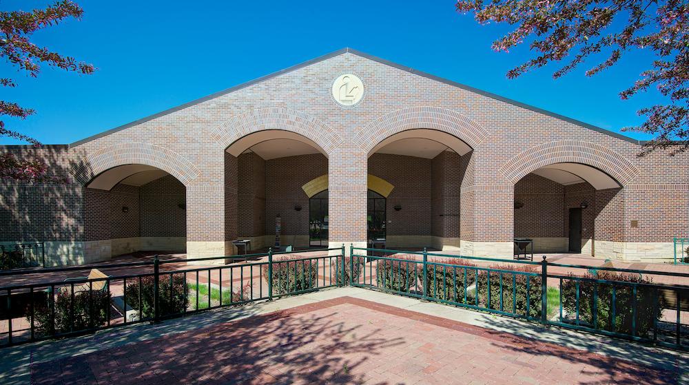 Fort Dodge Library Entrance