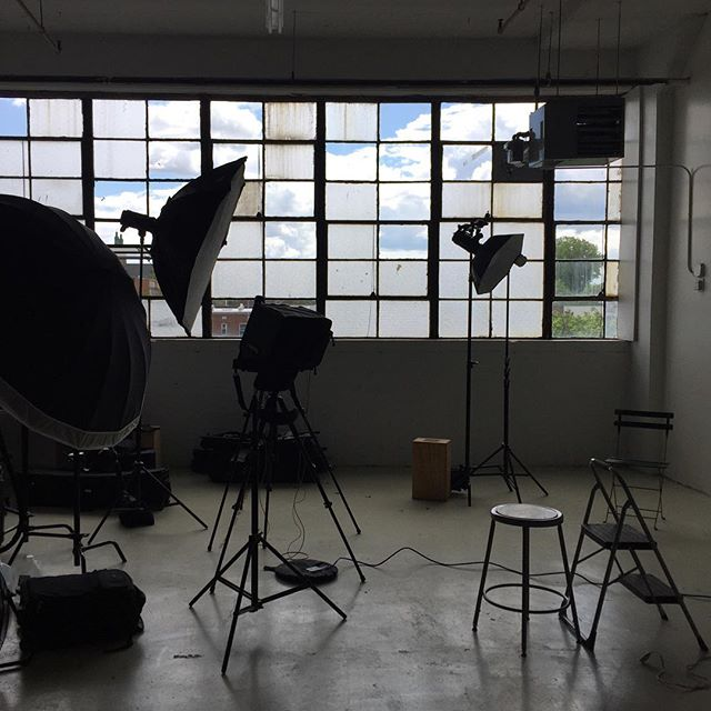 We had a full studio at yesterday's shoot.