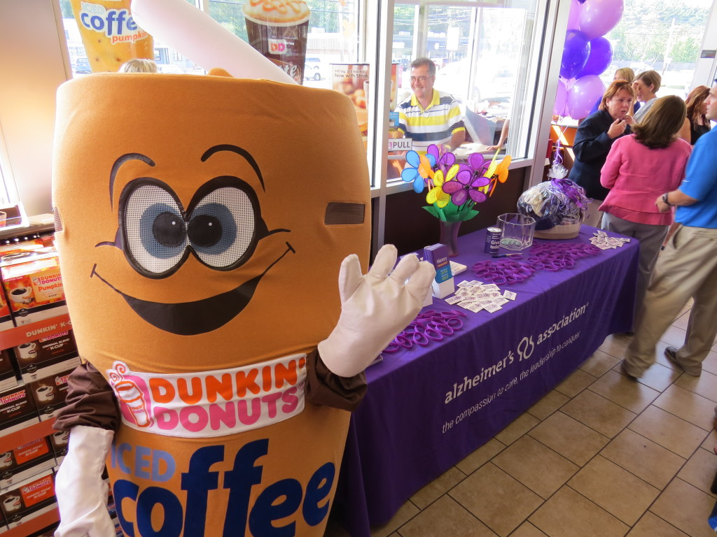 Cuppy and Alzheimer's Table (1)