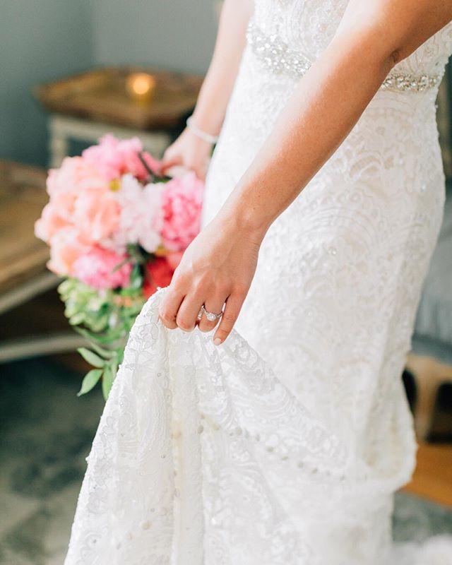Favorite wedding dress shops and designers?  Tag them!  Ready, set, go! . . . . . .  #gownspiration  #bridalwear  #weddingdressshopping #bridalgown #littlewhitedress #styleinspo  #instastyle #lookbook #fashiongram #bridalfashion2018  #magdalenastudios