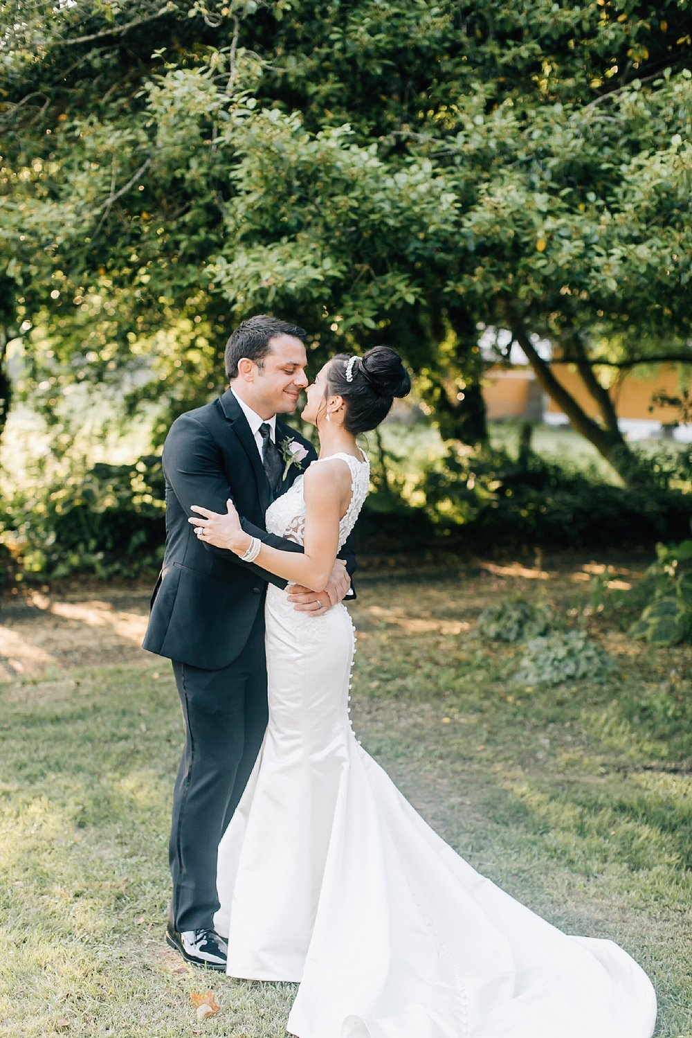 A Romantic Summer Wedding at Willow Creek Winery in Cape May, NJ by Magdalena Studios_0039.jpg