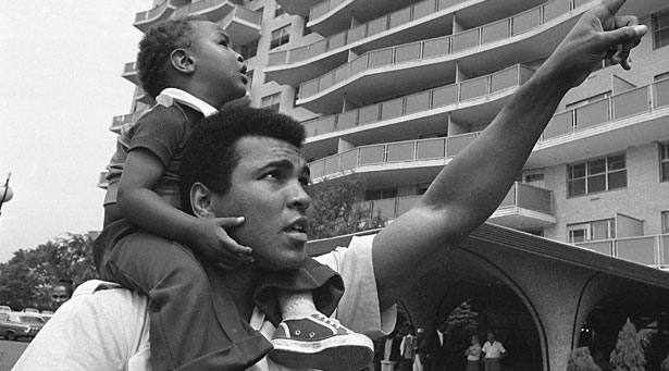 Design Greatness - Muhammad Ali with Child