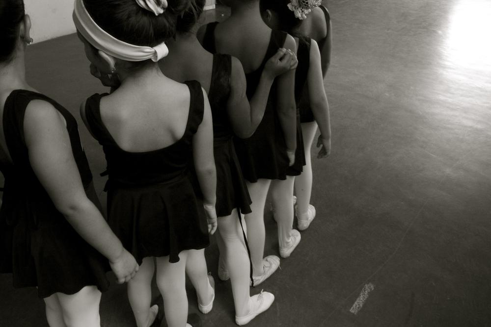 Bailarinas pequenas. Little ballerinas.