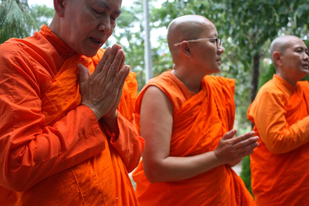 Mae Tiew (left) and Vajjani (far right)