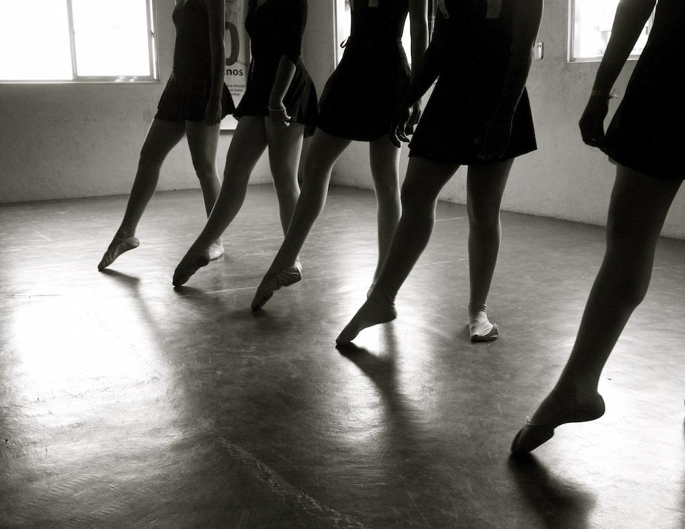 ballerinas na favela.jpg