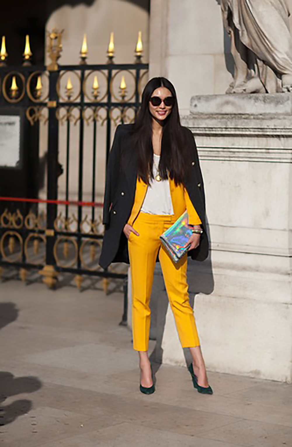 harpers bazaar paris street style 2013 66 of 192 jackets over shoulders 1500.jpg